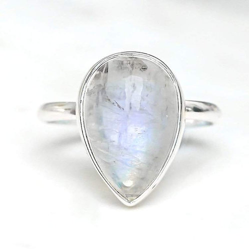MIDSUMMER STAR | Freesia Moonstone Ring
