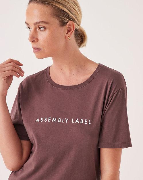 ASSEMBLY LABEL | Logo Tee | Damson
