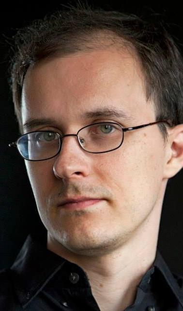 Grigory Smirnov Headshot_edited.jpg