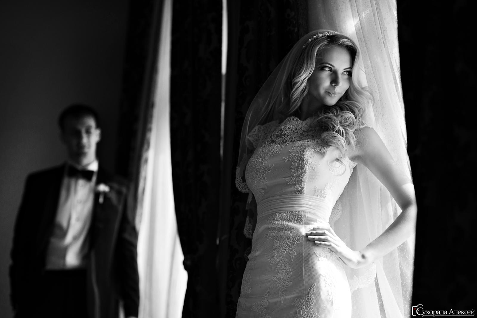 невеста у окна