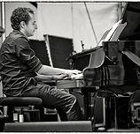 Foto-Terens-Klavier-sw.jpg