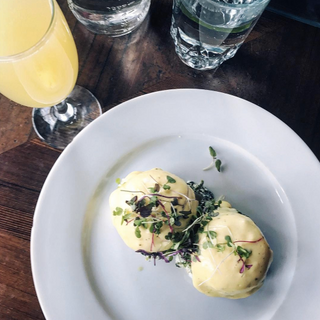 Cafe Triskell Eggs Benedict