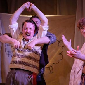 Review: Fuente Ovejuna! at Flight Path Theatre