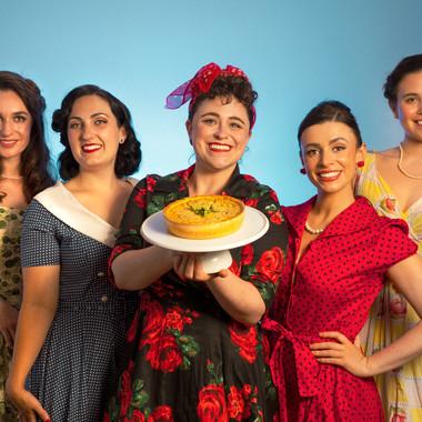 TheatreTravelsQuiche-Group-WEBRES-Louise