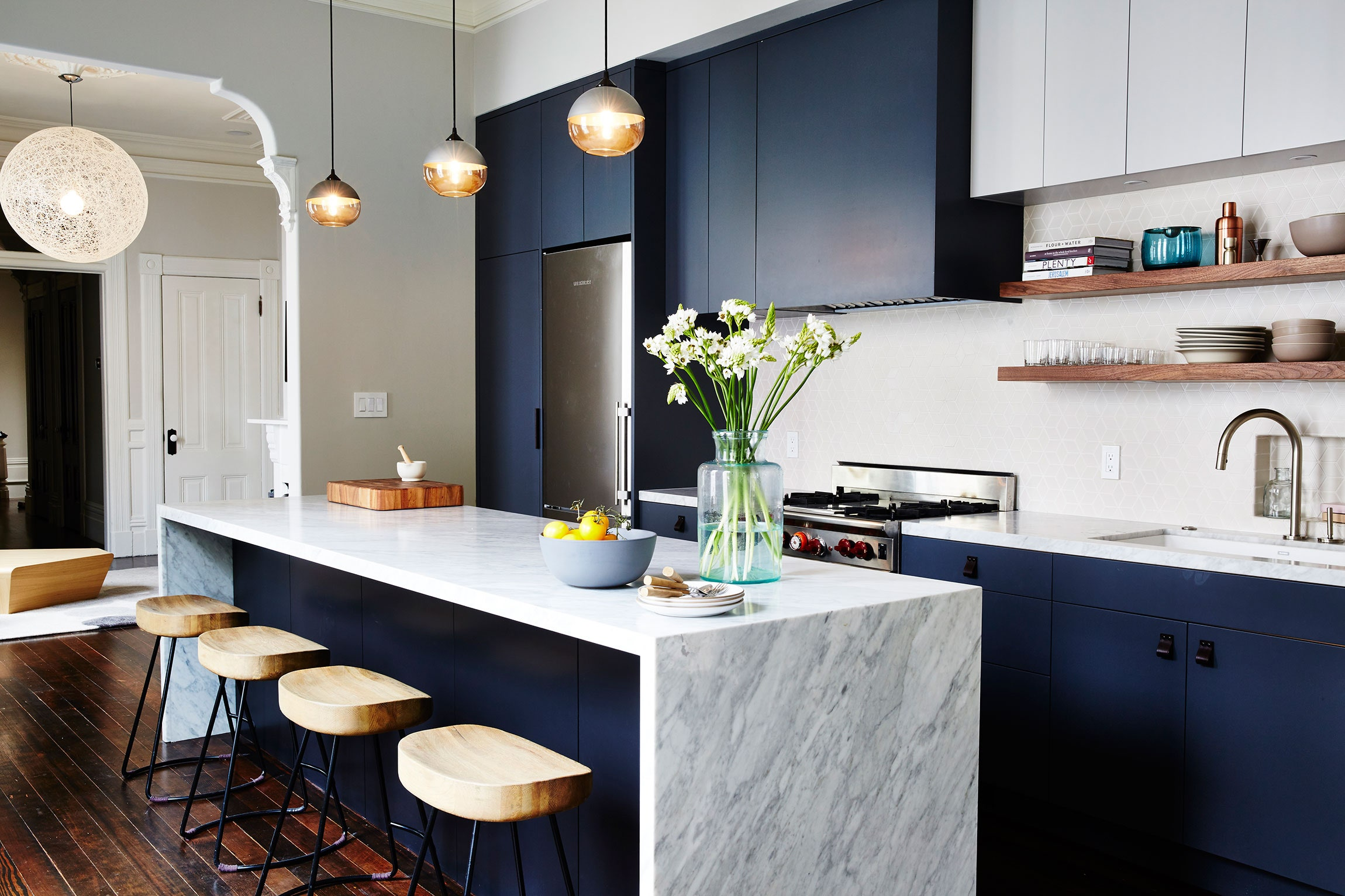 decorating-with-navy-01