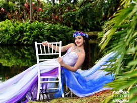Midianys Gonzalez 4 reviews·1 photo I had my daughter's 15 pictures taken here and all I have to s