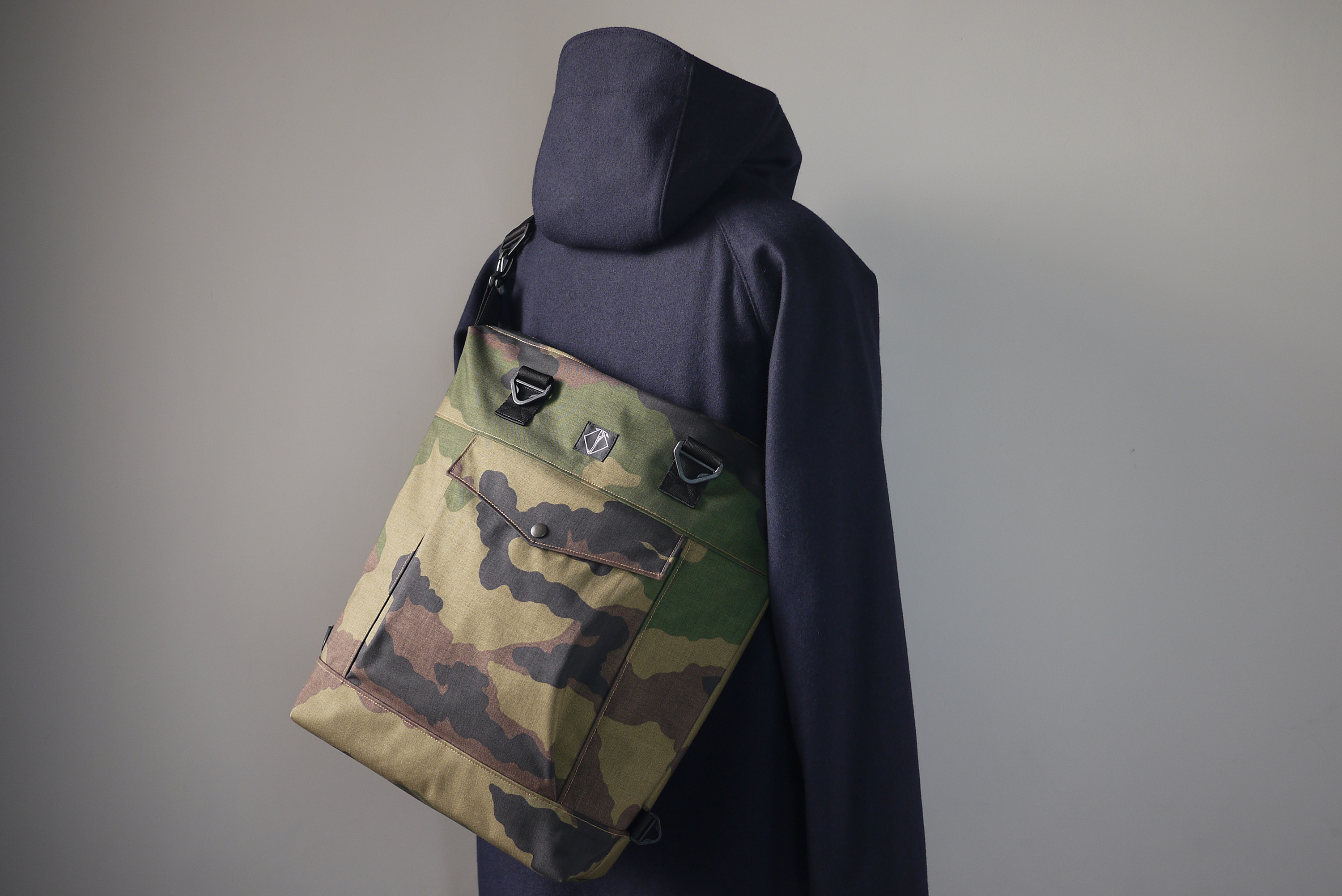 ALL-DAY-DAYCAMO MESSENGER