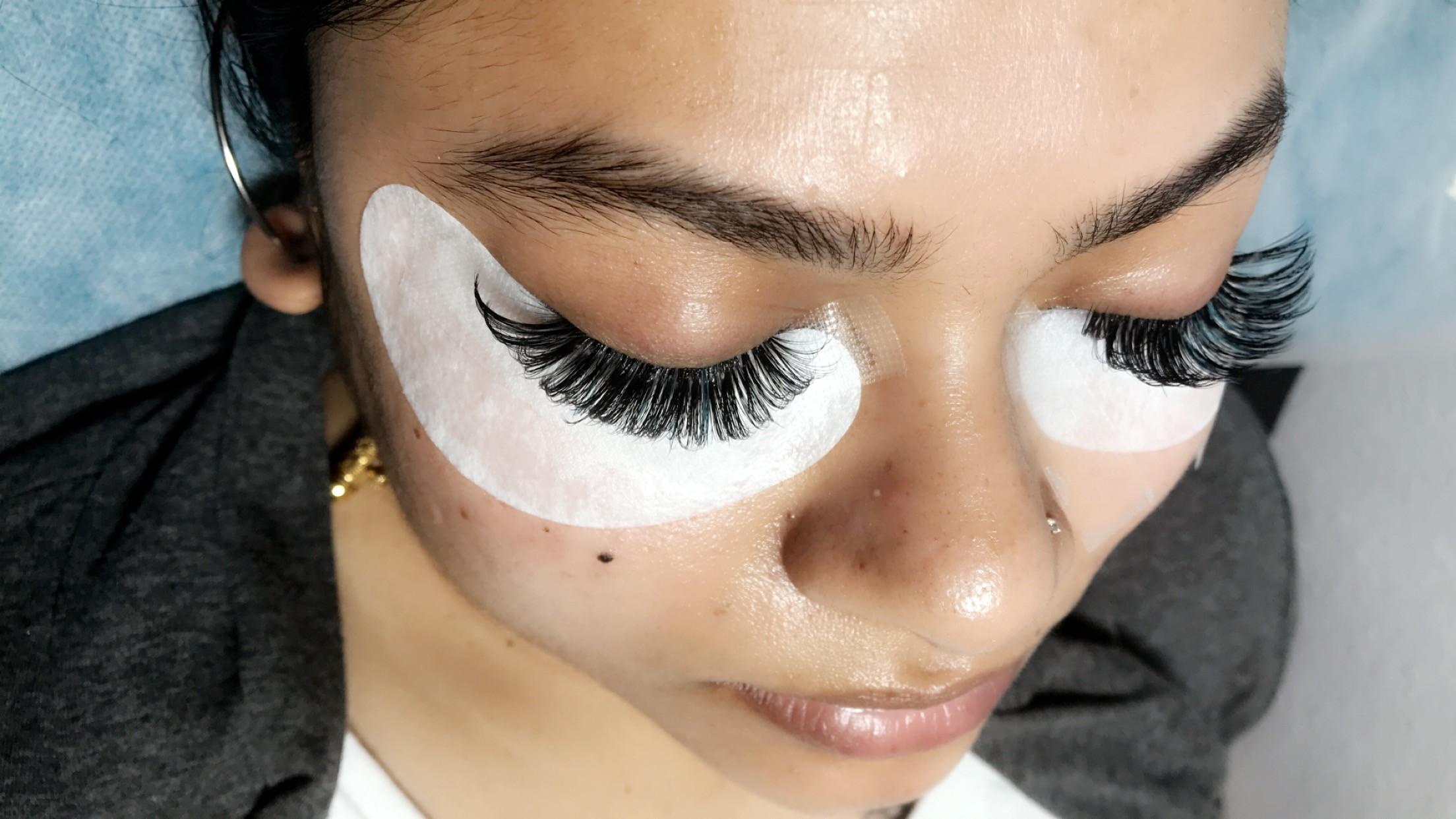 Handmade volume eyelash extens