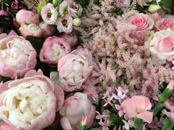 Table pivoines Marlies Fleurs Fleuriste Nimes Accueil 2