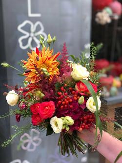 bouquet-mariée-coloré-mariage Marlies Fleurs fleuriste Nimes