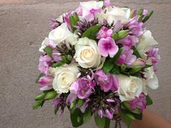 bouquet-mariée-roses-phlox Marlies Fleurs fleuriste Nimes