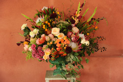 Composition mariage roses protea glaïeul Marlies Fleurs fleuriste Nimes