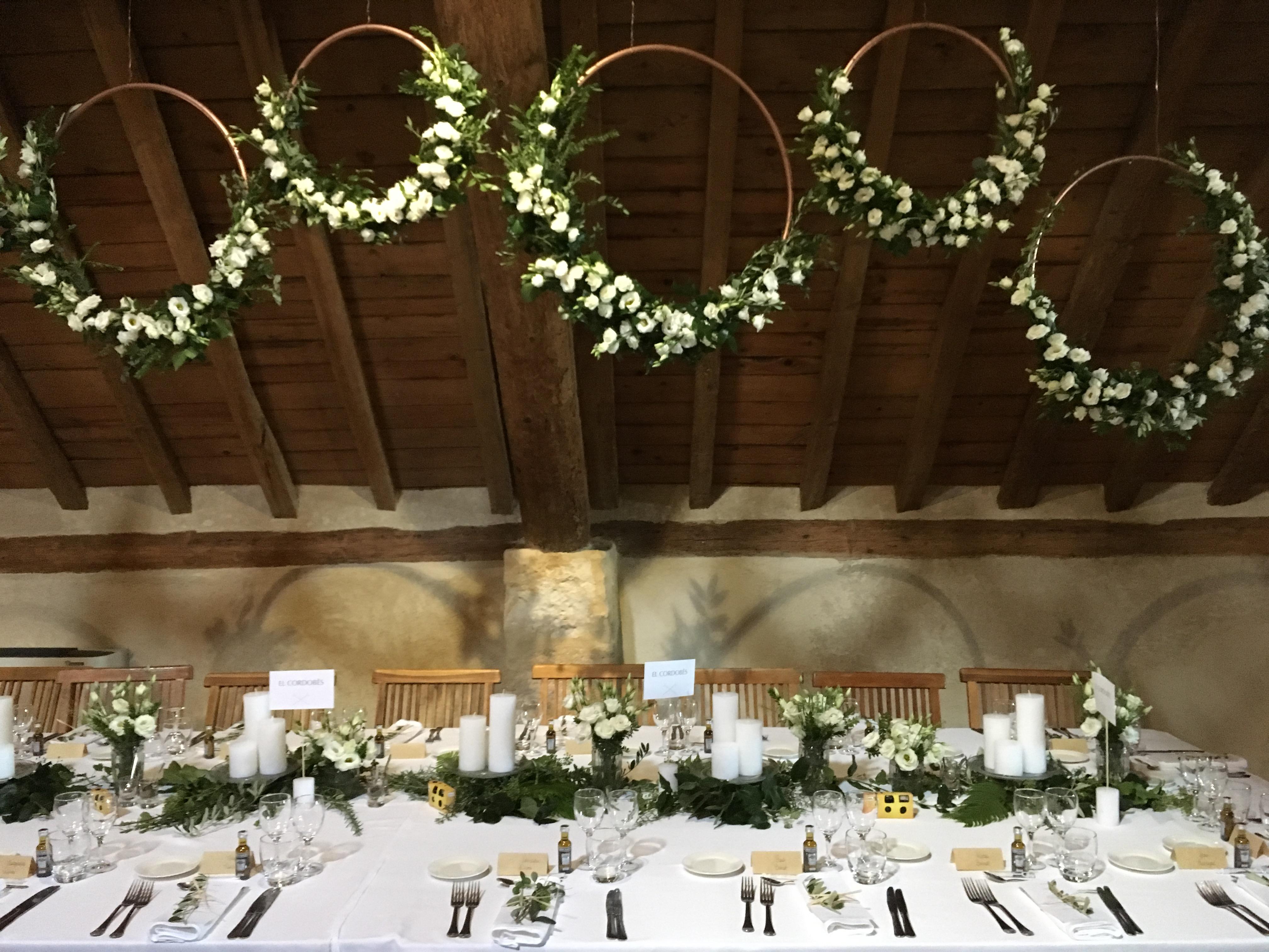 Décoration salle lisianthus Marlies Fleurs fleuriste Nimes
