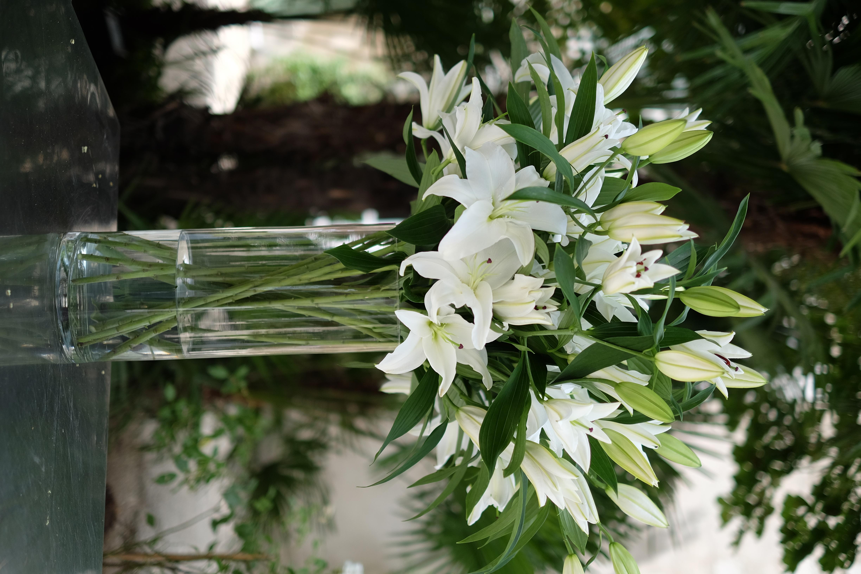 Composition lys Marlies Fleurs fleuriste Nimes