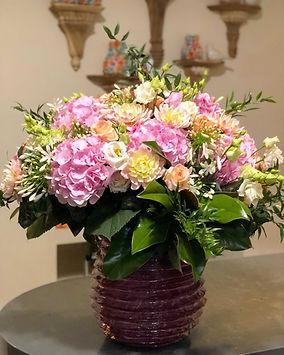 bouquet-monochrome-hortensias-dahlias-ro