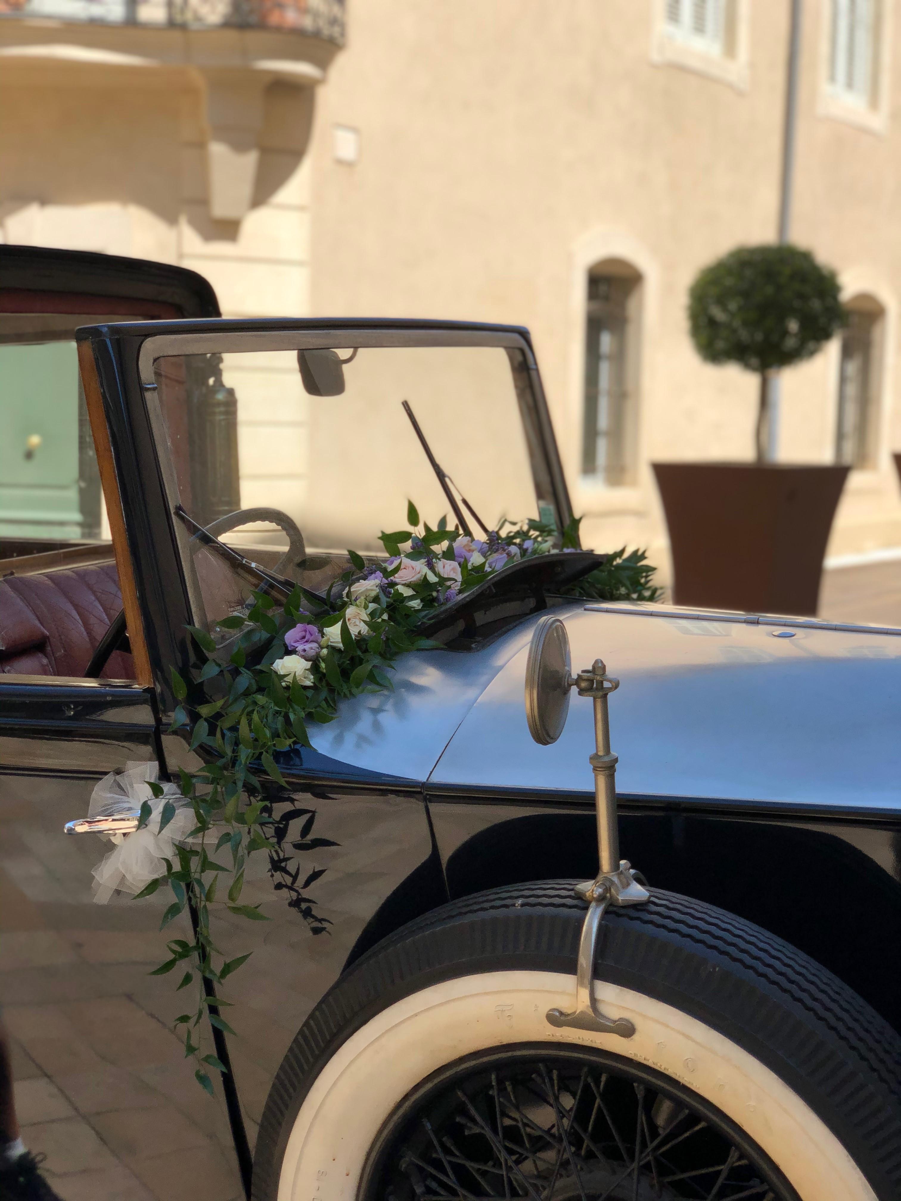 Décoration voiture Rolls Mariage Marlies Fleurs fleuriste Nimes