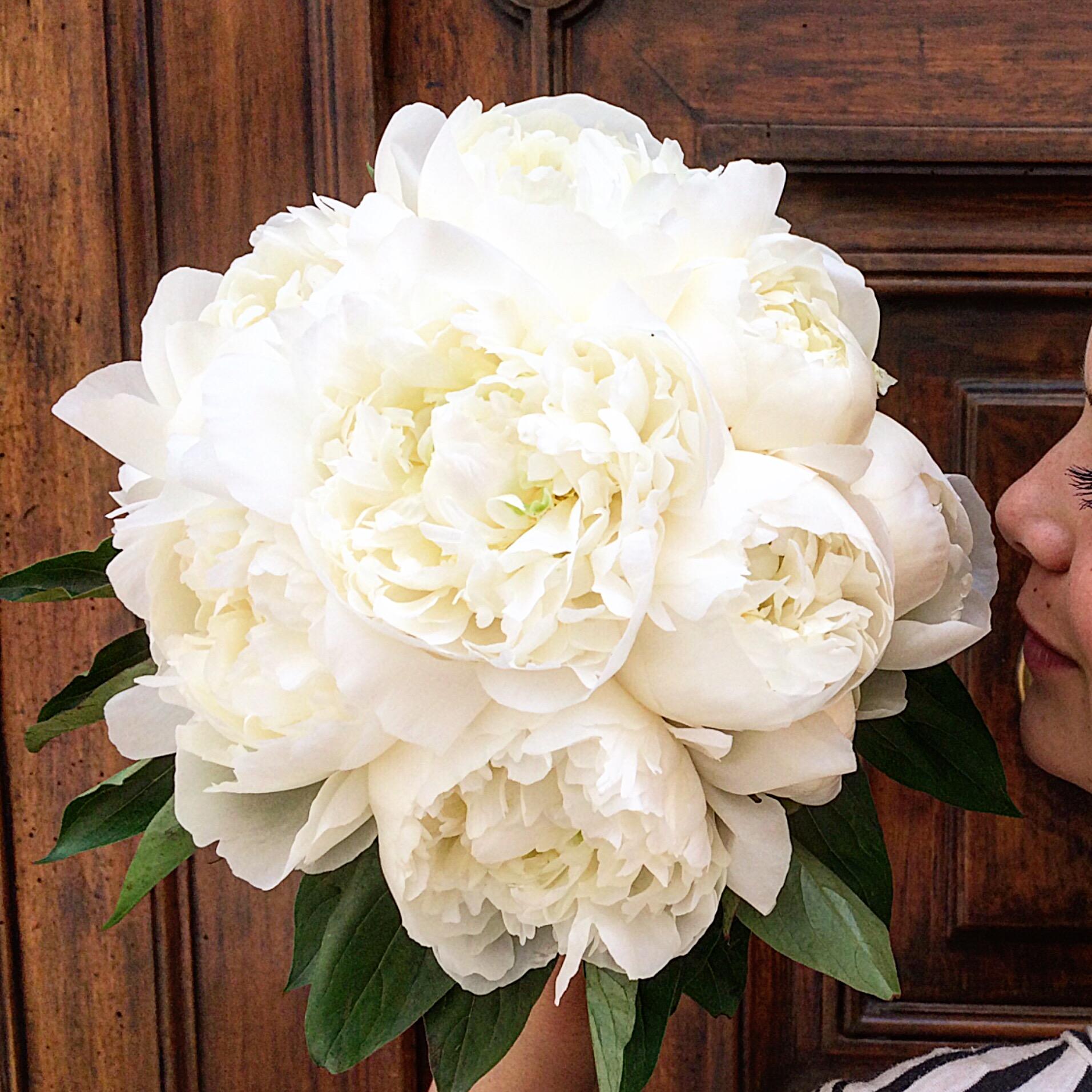 Bouquet de mariée pivoines blanches Bouq
