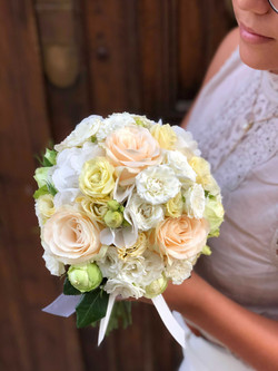 bouquet-mariée-roses-pastel-mariage Marlies Fleurs fleuriste Nimes