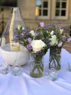 table-cocktail-mariage-chateau-de-pondre Marlies Fleurs fleuriste Nimes