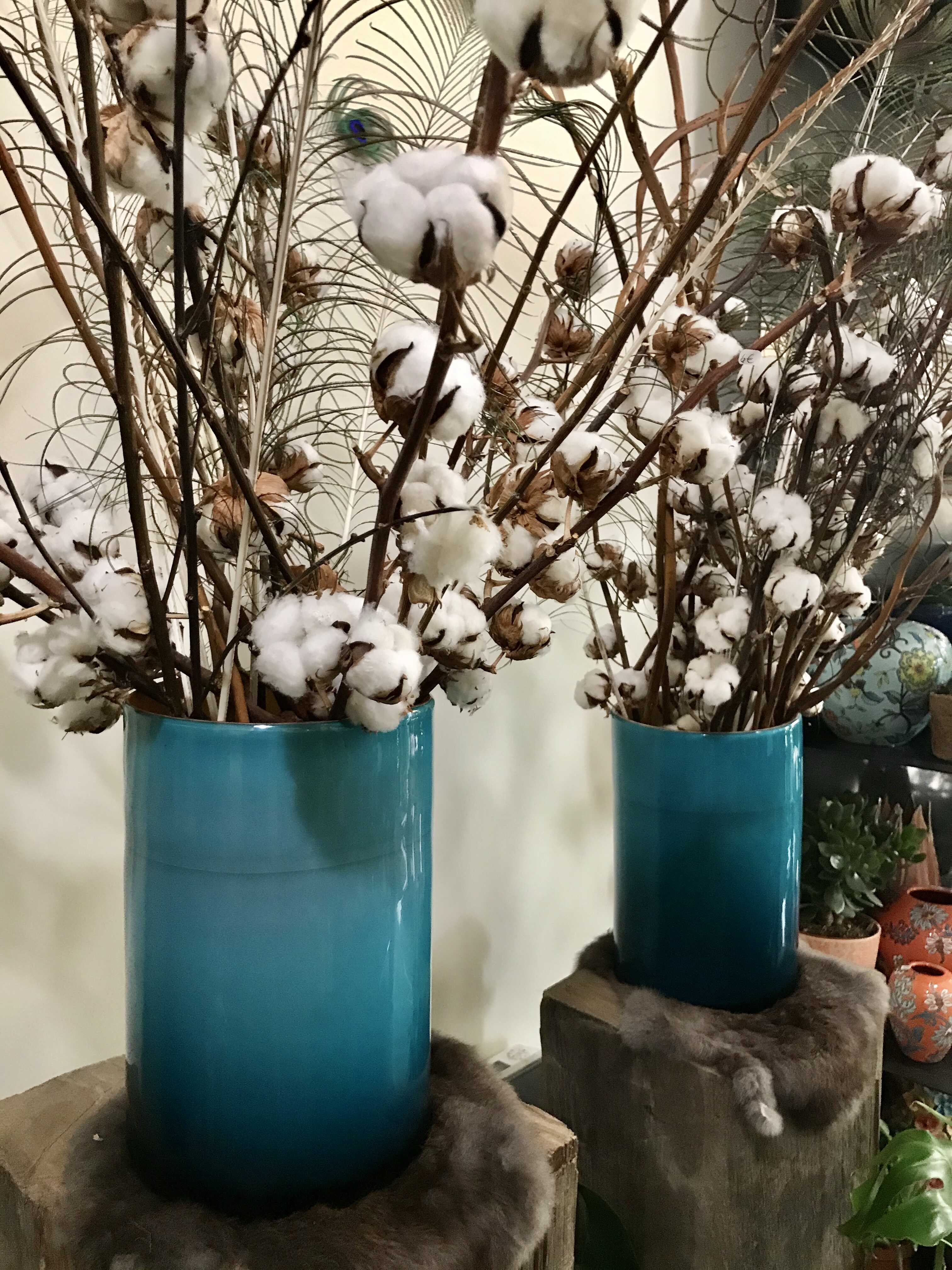 grands vases bleus Marlies Fleurs fleuriste Nimes