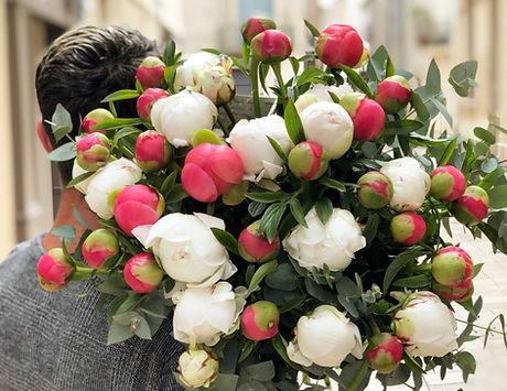 Bouquet pivoines corail et blanches Marl