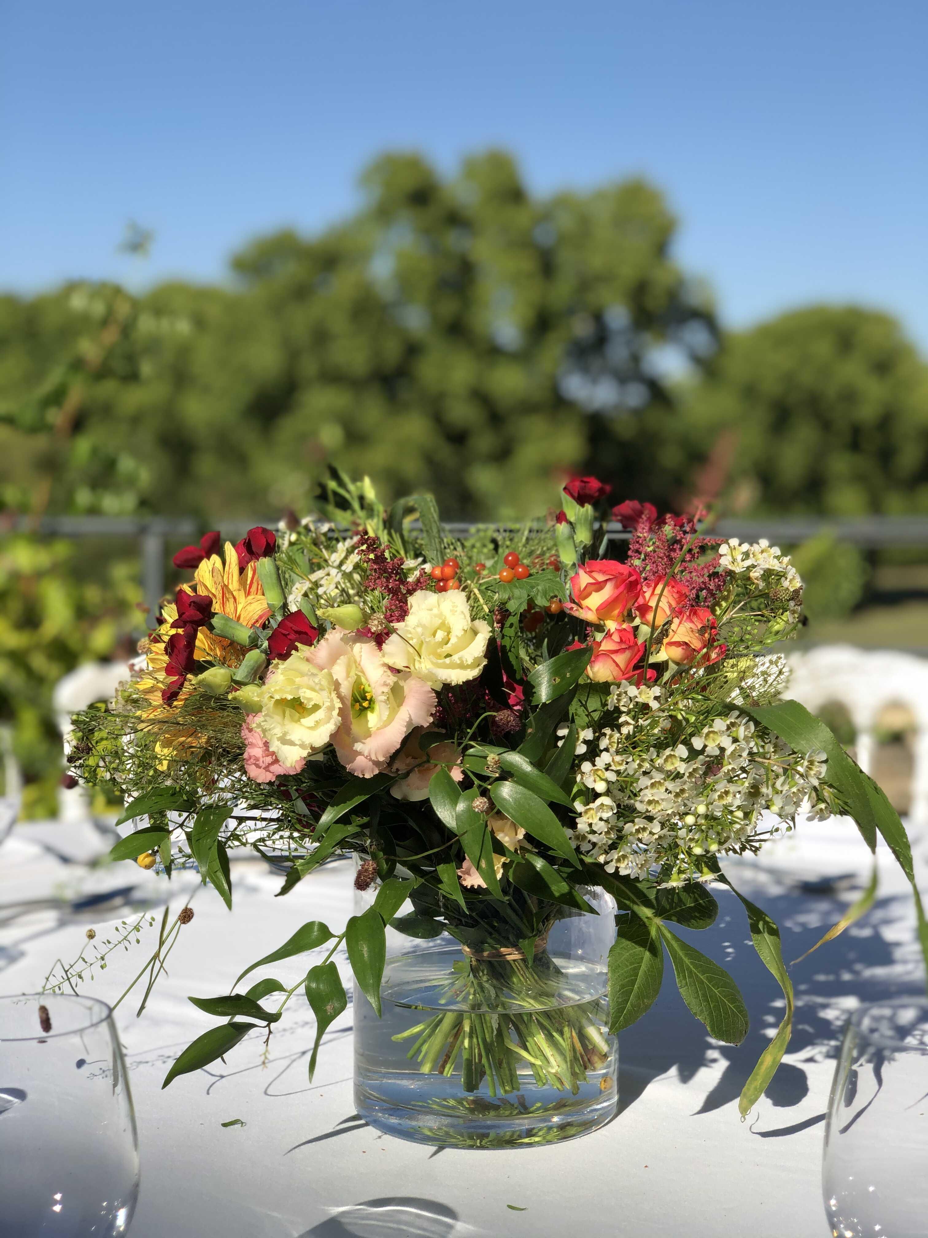 centre-de-table-mariage-coloré Marlies Fleurs fleuriste Nimes