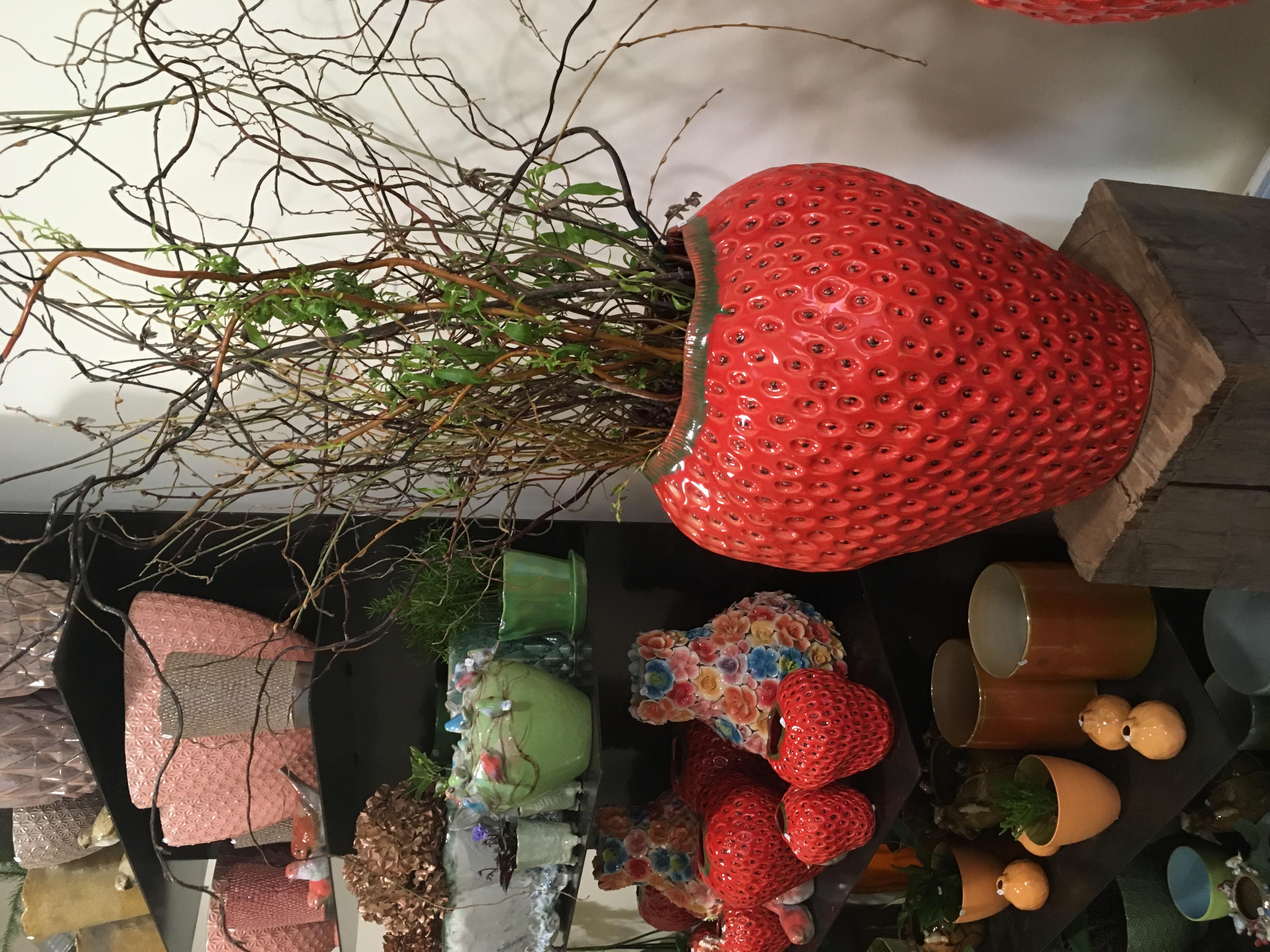 Poteries fraise Marlies Fleurs fleuriste Nimes