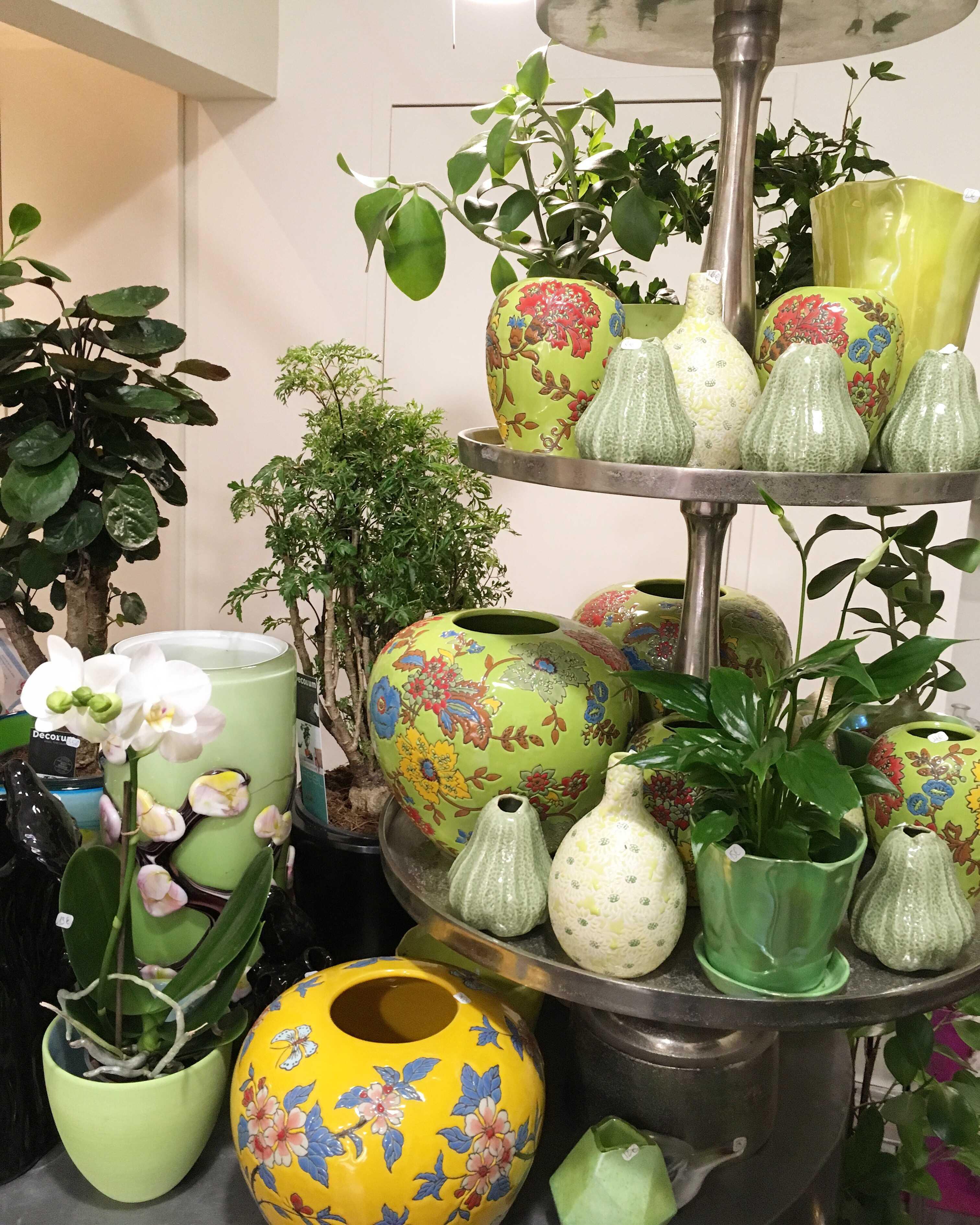 assortiment vases fantaisie Marlies Fleurs fleuriste Nimes