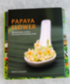 Papaya-flower-.jpeg