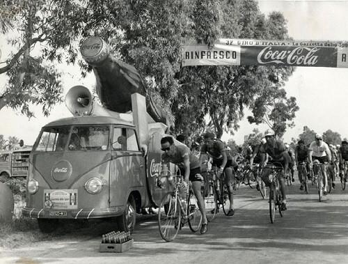 Coca-cola giro Italia 1954
