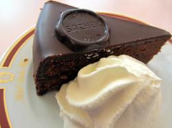 Знаменитый торт Захер