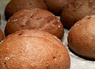 Dunkle Rustico Brötchen - glutenfrei und vegan