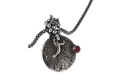 Silk&Silver 'Seed Taking Roots' pendant