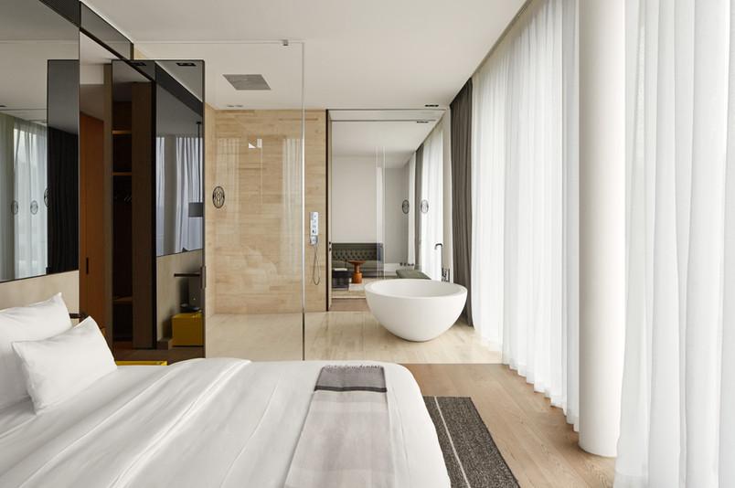 Roomers_Baden-Baden_Prestige-Suite_05.jp