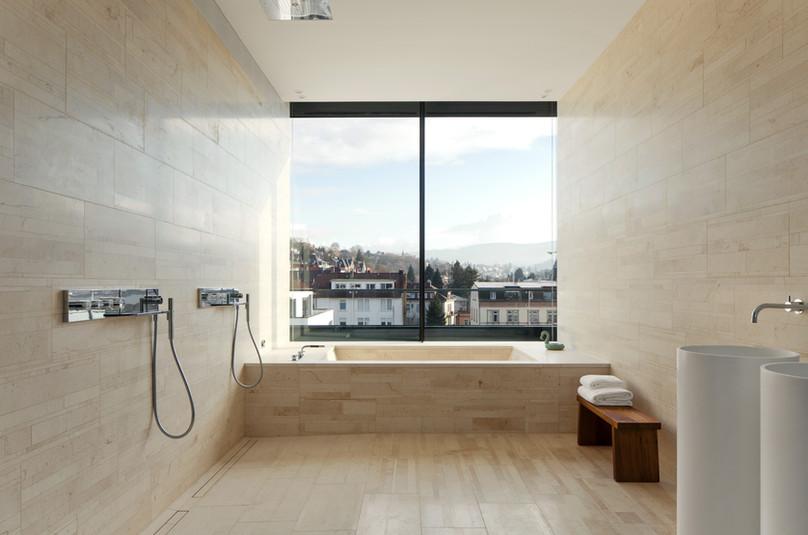 Roomers_Baden-Baden_Master-Suite_06.jpg