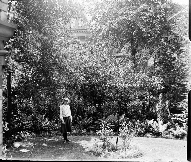 THE GIRL IN THE GARDEN c.1910's