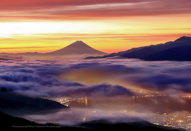BF001018.JPG朝焼けの雲海と諏訪湖の街並みと富士山