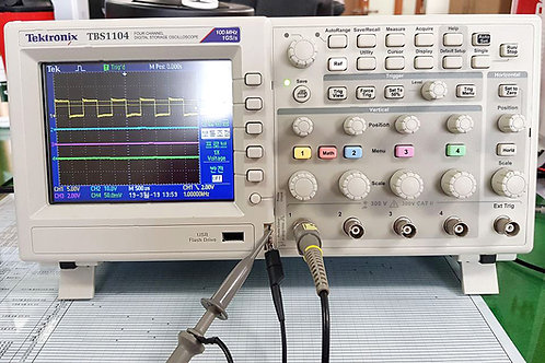 Tektronix TBS1104 Oscilloscope