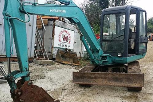 Hyundai R450 Excavator