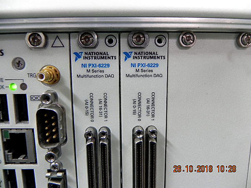 National Instrument NI PXI-1042 Universal AC PXI Chassis