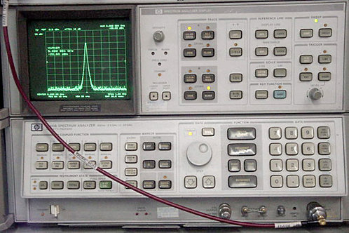 HP 8566B Spectrum Analyzer