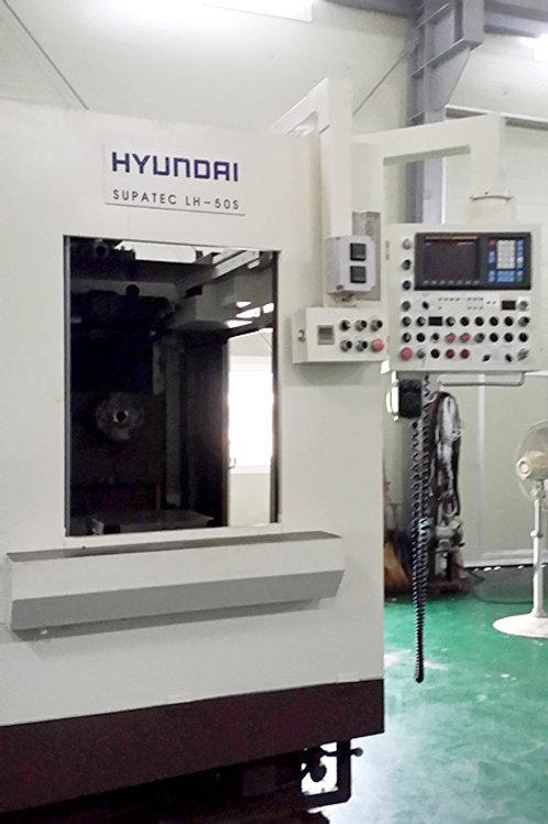 Hyundai Kia Wia Supatec LH-50S Machining Center