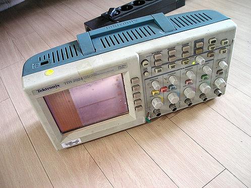 Tektronix TDS2024 Oscilloscope