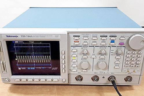 Tektronix TDS744A Oscilloscope