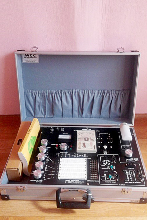 AVCC DT-III Electronic Control Trainer