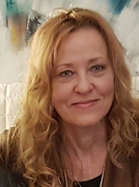 Anna-Maria Kraft Yogalehrerin für Senioren bei Auszeit Baden-Baden
