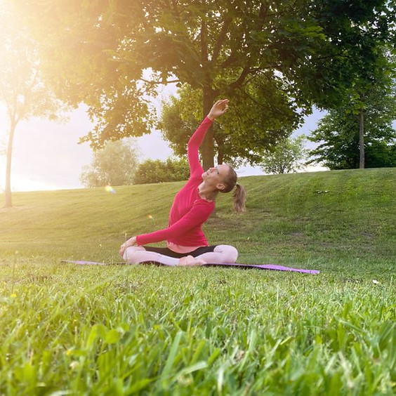 Yoga in der Solarcity mit Angi
