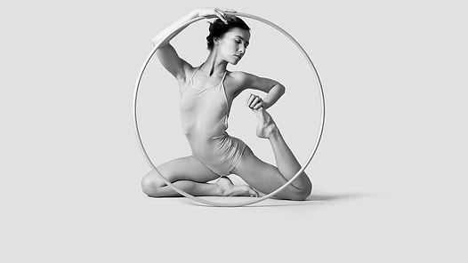 Dancer%20with%20Hoop_edited.jpg