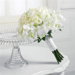 Wedding flowers and cake stand