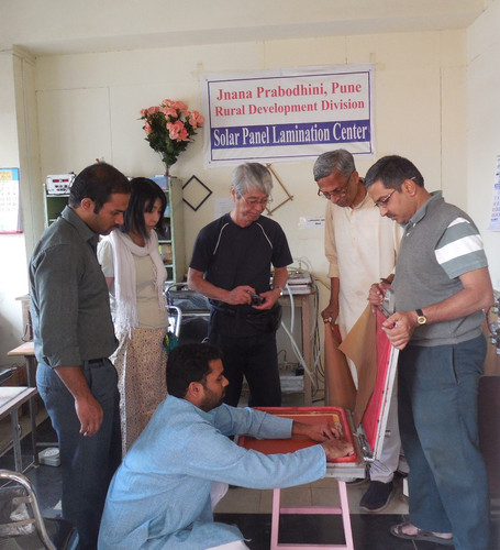 Assembly of Solar Laminator under the gu